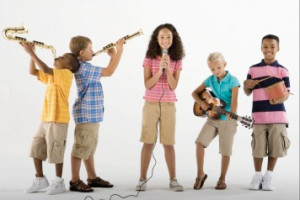 kids-playing-music